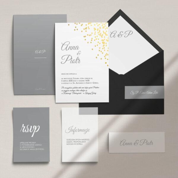 Zaproszenia ślubne wraz z kopertą, RCVP oraz opaską z kolekcji Złoty brokat firmy Cartolina - zaproszenia ślubne