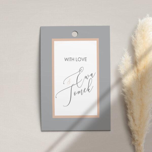 Zawieszka, etykieta na butelkę lub prezent z kolekcji Baśniowa szarość firmy Cartolina - zaproszenia ślubne