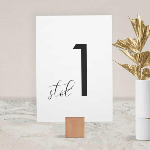 Numer na stół ślubny z kolekcji Złote trójkąciki firmy Cartolina - zaproszenia ślubne