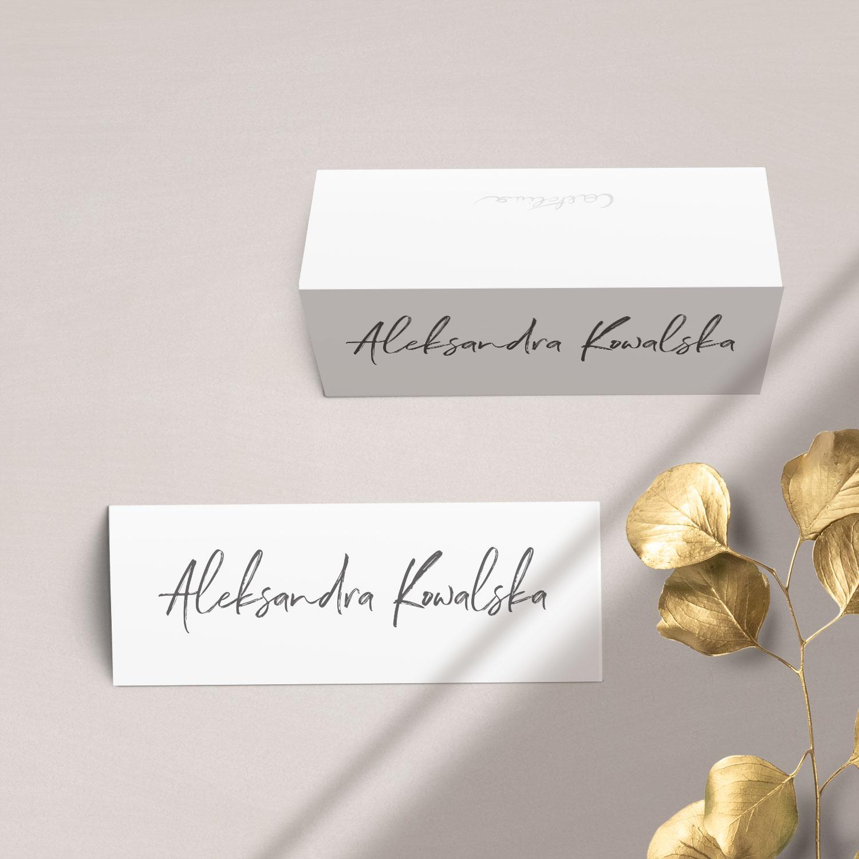 Winietka na stół z kolekcji Złote imiona na czarnym tle firmy Cartolina - zaproszenia ślubne