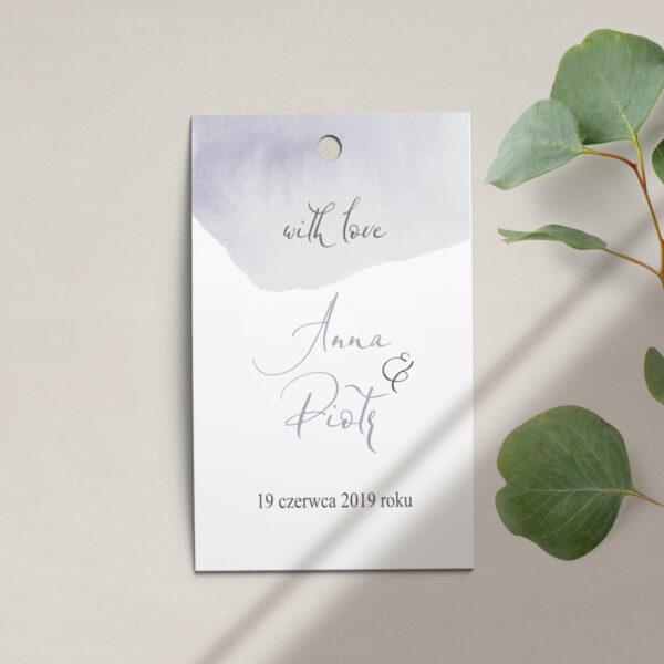 Zawieszka, etykieta na butelkę lub prezent z kolekcji z Wiosenna mgła firmy Cartolina - zaproszenia ślubne